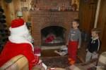 Филипп читает стихотворение Деду Морозу