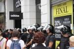 На главной торговой улице Буэнос-Айреса, Флориде, запретили уличную торговлю