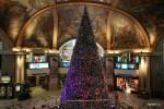 Новогодняя елка в кристаллах Сваровского в торговом центре Буэнос-Айреса