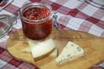 Конфитюр из томатов хорош с выдержанными сырами