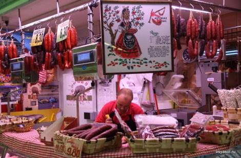 Колбаски чорисо: без них не приготовить астурийской фавады. Рынок Эль Фонтан, Овьедо