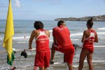 Спасатели на пляже Сан-Лоренсо в Хихоне, Астурия