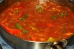 Добавляем помидоры и тушим еще несколько минут
