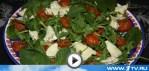 Салат из вяленых помидоров и козьего сыра (видео рецепт)