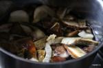 Отвариваем замороженные белые грибы