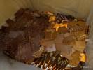 Отбракованные шоколадки идут либо на вторичную переработку, либо на корм свиньям