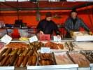 Торговцы копченым лососем на Кауппатори, Хельсинки