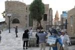 Японские туристы осматривают достопримечательности Яффы