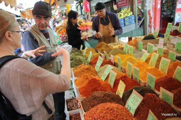 Специи - самая суть рынка Кармель в Тель-Авиве