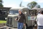 В перерывах между масте-классами гостей фестиваля потчевал кулинарный вагончик Кухонный Герой