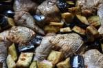 Маринуем цесарку и баклажаны в соевом соусе с имбирем