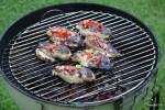 Маринованные в текиле куриные грудки жарим на умеренно горячих углях