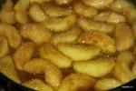 Карамелизируем яблоки