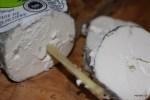 Козий сыр Сант-Мор из Турени с его знаменитой соломинкой