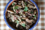Тапас из грибов со свининой и хамоном
