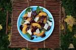 Все краски осени: в тарелке и на лужайке
