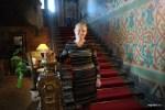 На парадной лестнице резиденции посла Франции в Доме Игумнова