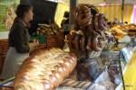 Хлеба и претцели на рынке Пленпале, Женева