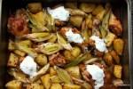 Запеченная курица с картофелем и луком пореем