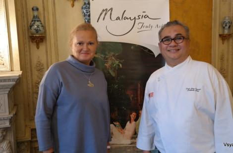С послом малайзийской кухни шефом Исмаилом