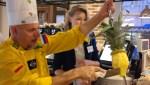 Первая скорая помощь от переедания в бразильском ресторане - ананас