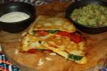 Кесадилья с жареным перцем и гуакамоле