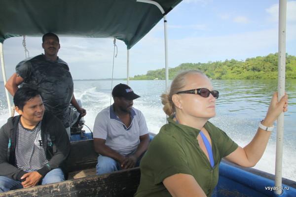 Плывес с капитаном Херардо на остров Бастиментос, Бокас дель Торо, Панама