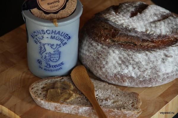 Moutarde de Montjoie хорошо намазать на домашний ржаной хлеб