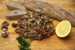 Греческий салат с баклажанами и грецкими орехами