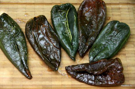 Запеченные мексиканские перцы поблано
