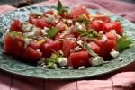 Салат из арбуза с фетой и семенами подсолнечника