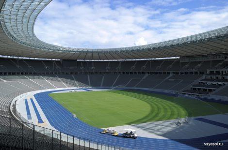 Вид на Олимпийский стадион из окна Кулинарного клуба
