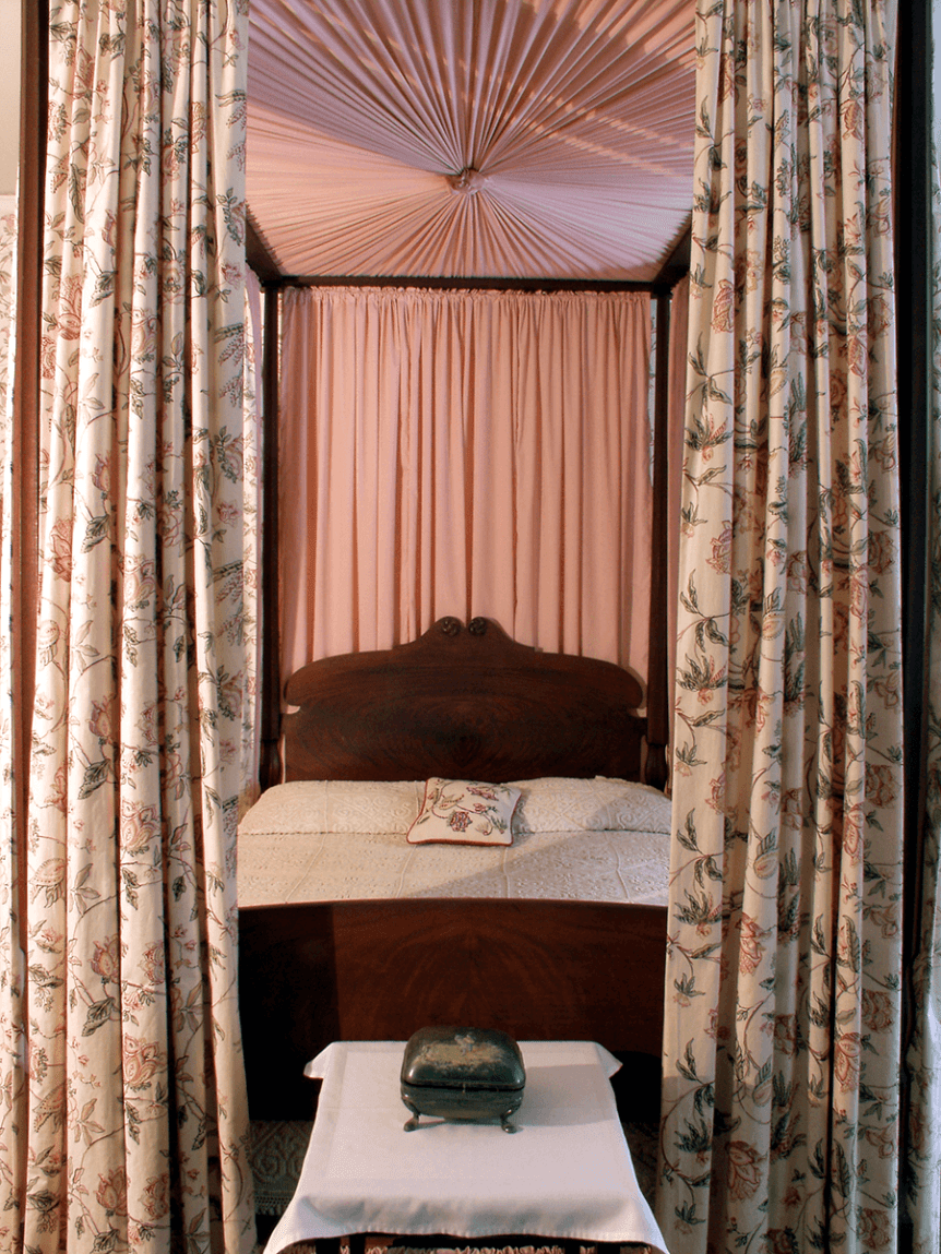 Image of canopy bed at Hildene, The Lincoln Family Home