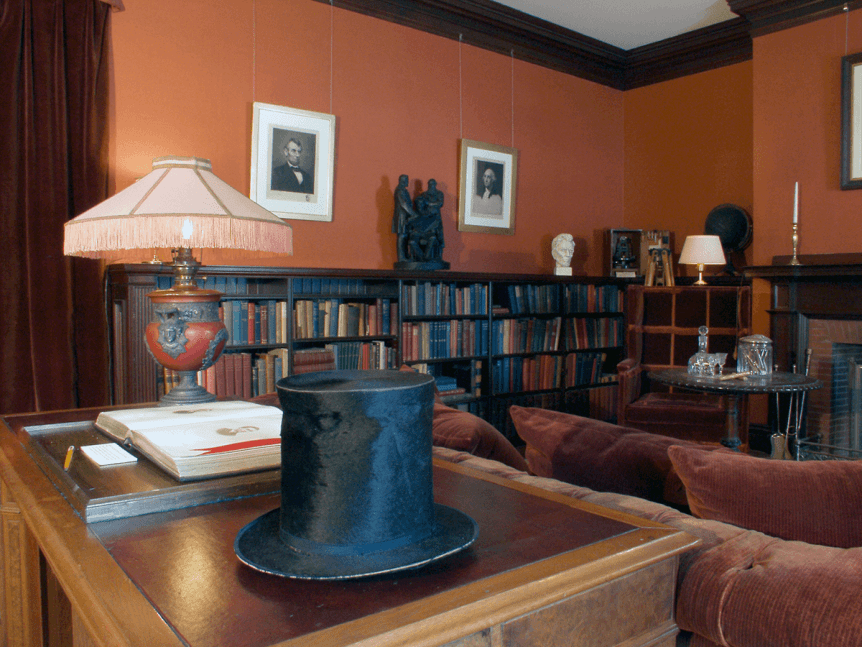 Image of top hat in the library at Hildene, The Lincoln Family Home