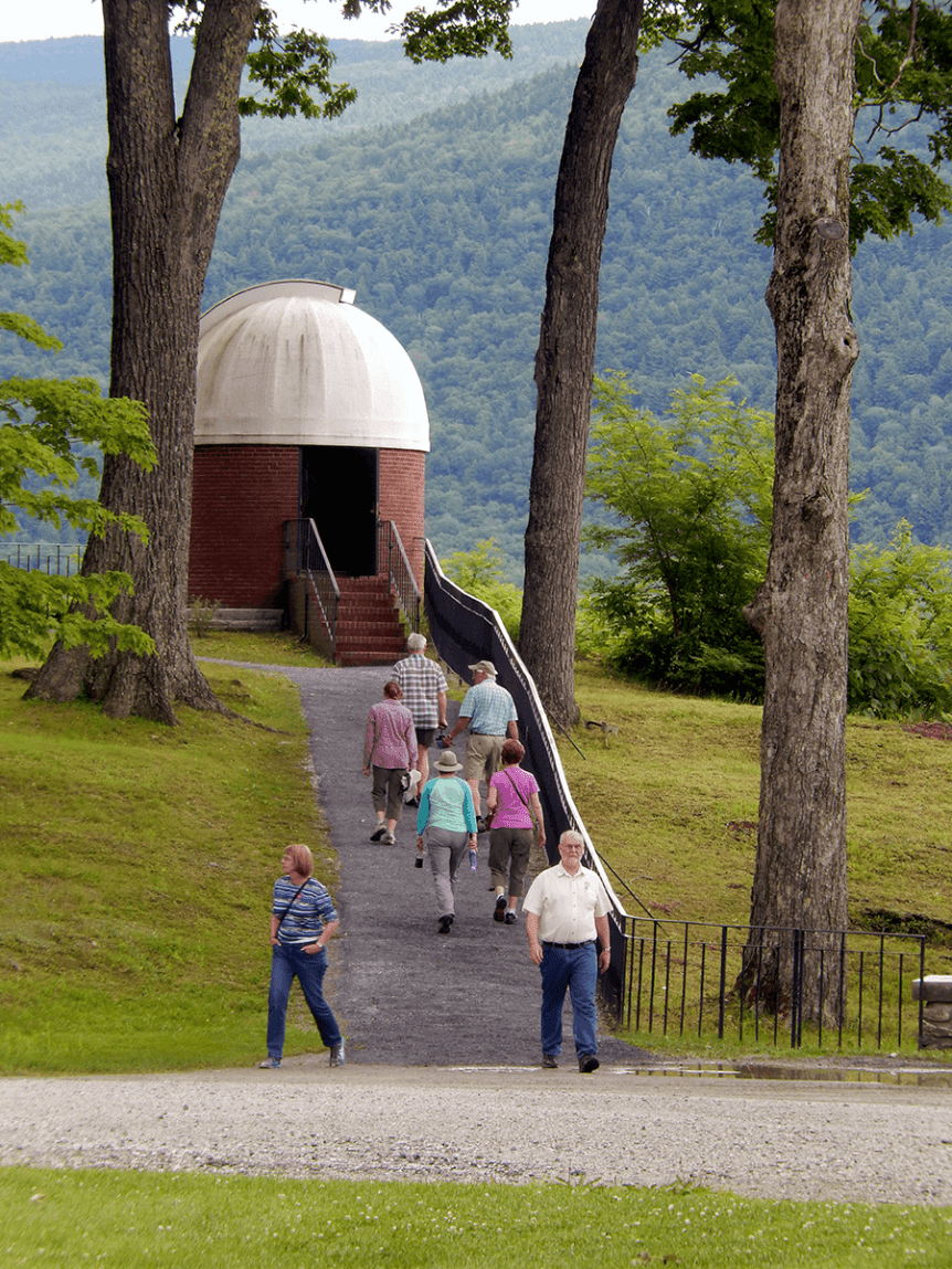 Image of the observatory and people at Hildene, The Lincoln Family Home