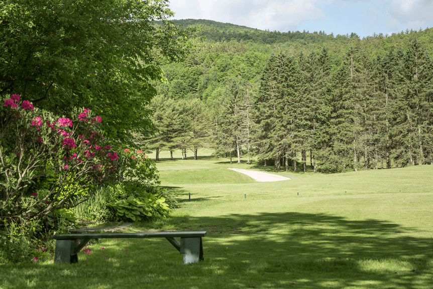Image of hole #6 on the golf course at Lake Morey Resort