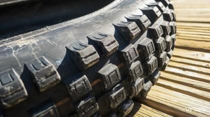 Le profil des crampons des Schwalbe Eddy Current est spécifique : leur volume est 25% plus important. L'objectif étant de les renforcer, pour éviter qu'ils ne s'arrachent.