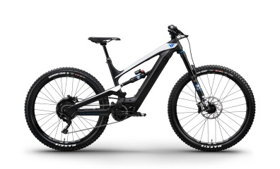 YT Decoy CF Pro - 5599€ - Fourche Fox 36 Performance Elite Ebike 160mm - Amortisseur Fox DPX2 Performance Elite - Roues E13 Plus - Freins Sram Code RS 200mm - Transmission Shimano XT 11v