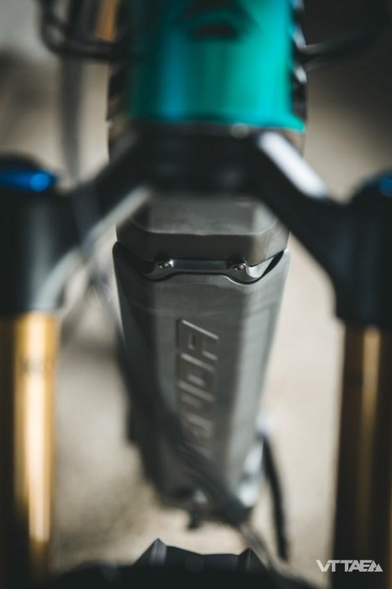 Pour la bonne et simple raison que le Merida E One Sixty intègre désormais sa batterie au tube oblique, comme nombre de ses concurrents.