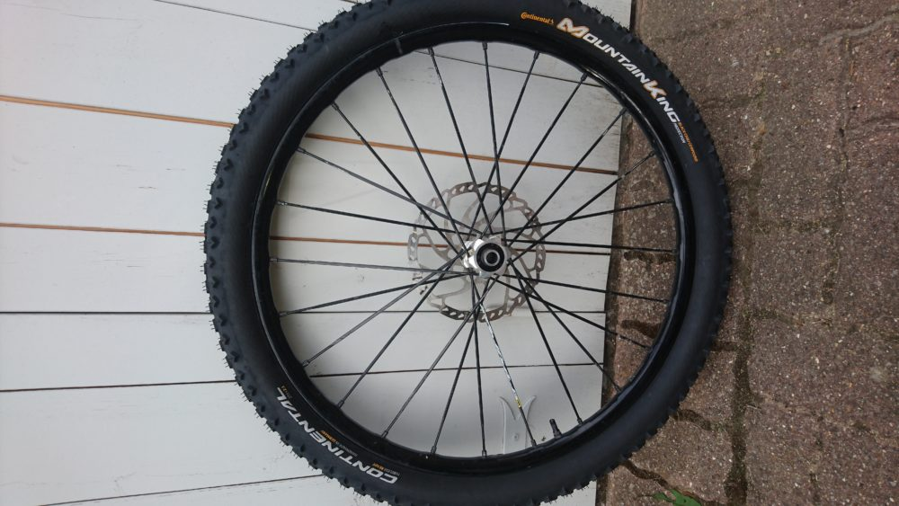 Comment changer/monter un pneu tubeless ready ? -TUTO VTT COACH