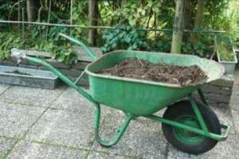 kruiwagen-met-compost