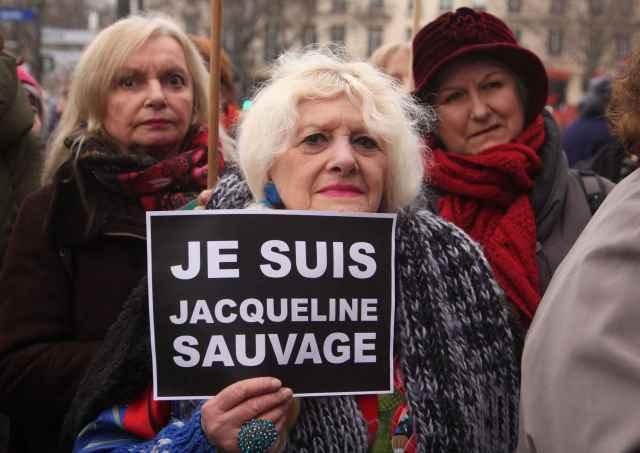 2048x1536-fit_plusieurs-centaines-personnes-rassemblees-paris-23-janvier-2016-defendre-jacqueline-sauvage