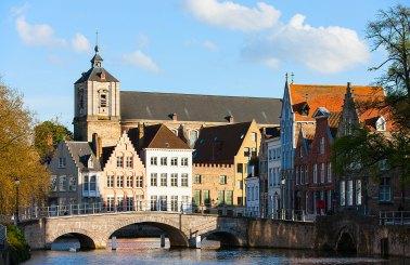ciudad de Brujas en Bélgica patrimonio de la humanidad de la unesco — Foto: Depositphotos/shalamov