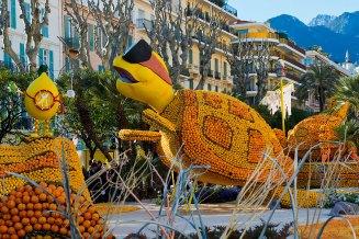 Exposición temática en los jardines bioves de Mentón durante la fiesta del limón. Imagen: ©depositphotos.com/faabi