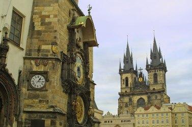Antiguo edificio del Ayuntamiento y la Catedral de Tyn, Praga. Imagen: Copyright: depositphotos/karnizz