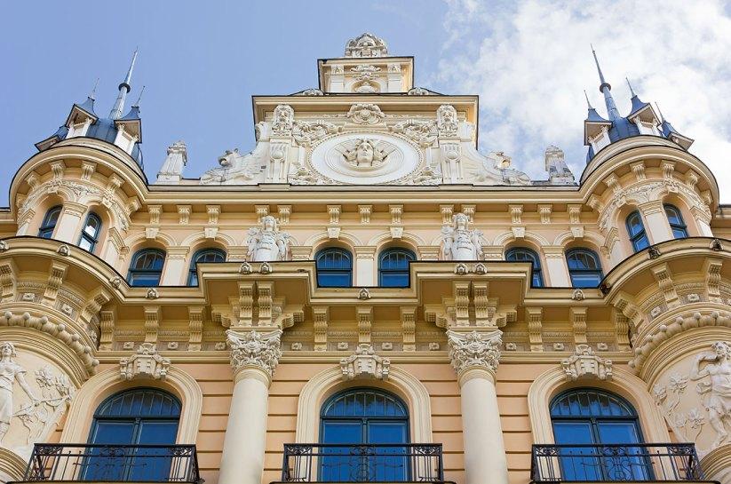 Ejemplo de arquitectura Art Nouveau en Riga. foto: copyright- depositphotos/@ emmeci74