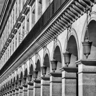 Rue Rivoli - detalle arquitectura Foto: ©depositphotos/pinkcandy