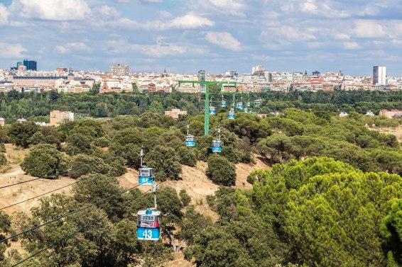 Teleférico de Madrid con la vista de la ciudad al fondo - Imagen: ©depositphotos.com/bloodua