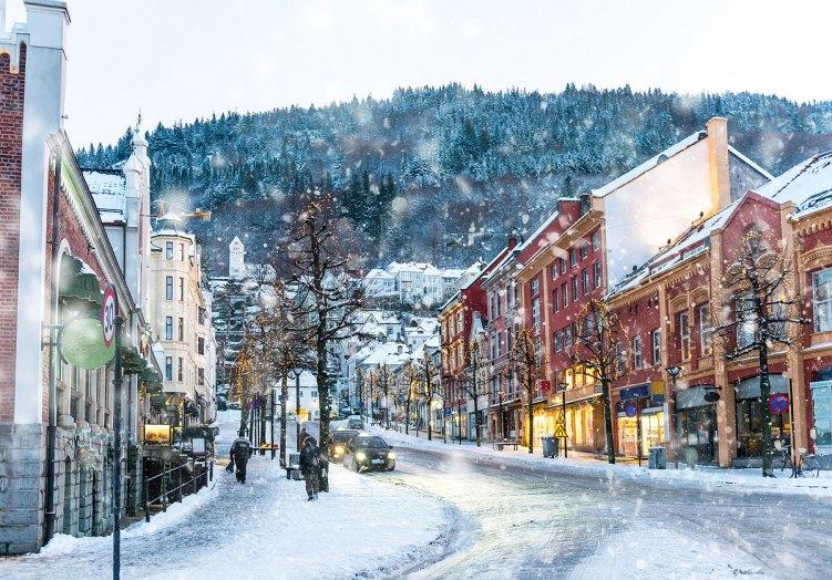El viejo centro historico de Bergen en invierno.