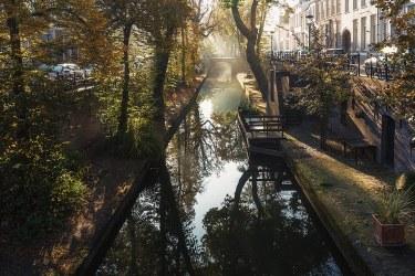El Canal Nieuwegracht en Utrecht, Holanda